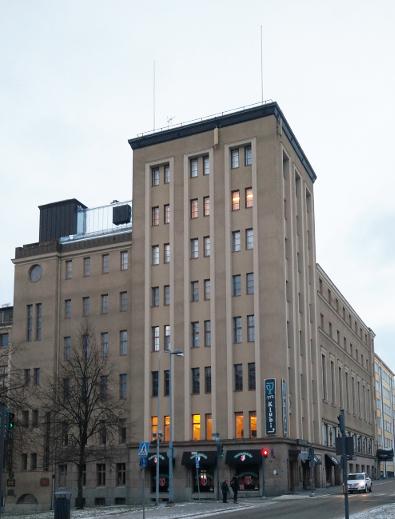 Toimistomme sijaitsee Tampereen upeimmassa talossa Puistotornissa Hämeenpuiston ja Hallituskadun risteyksessä.